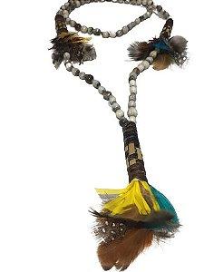 Colar Indígena com Penas e Canudos Tribo Caboclo Artesanato