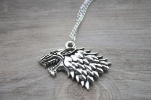 Colar Game of Thrones House Stark