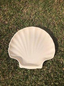 Prato Decorativo em Cerâmica - Concha Grande Branco