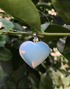 Pingente de Opalina formato coração