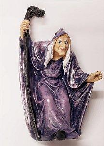 Bruxa com Cajado em resina