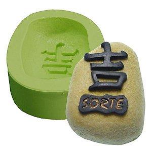 Molde de Silicone Pedra da Sorte Kanji Para Velas e Sabonetes
