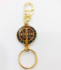 Chaveiro Com Mosquete Medalha De São Bento Dourado