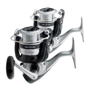 2 Molinete Daiwa Strikeforce FD SF4000B