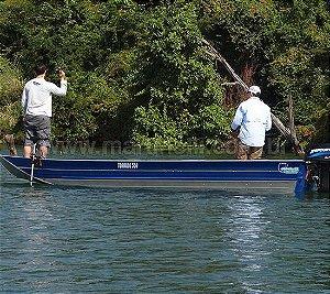 Barco de alumínio Martinelli Tornado 550 Semi chato plataformado - Preço à vista R$ 6.156,00 (Frete a consultar)