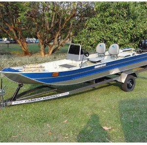 Barco de alumínio Martinelli Tornado 550 SC indicado até 30HP (acompanha todos os Itens p/ passar a embarcação e motor de popa para comando a distancia, pronto para instalar o seu motor) Preço a vista R$ 12.990,00  (Não acompanha motor de popa e carreta)