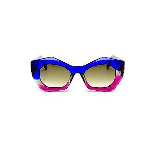 Óculos de Sol Gustavo Eyewear G108 4. Cor: Azul translúcido, fumê e violeta . Haste azul. Lentes cinza.