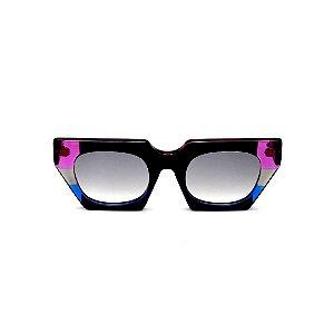 Óculos de Sol Gustavo Eyewear G137 6. Cor: Preto, violeta, fumê e azul translúcido. Haste preta. Lentes cinza.