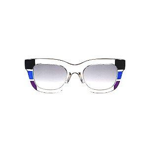 Óculos de Sol Gustavo Eyewear G57 2. Cor: Fumê, preto, azul e violeta translúcido. Haste azul. Lentes cinza.