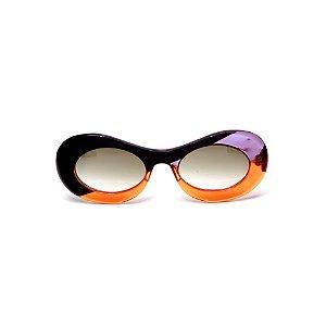 Óculos de sol Gustavo Eyewear G89 10. Cor: Preto, laranja e roxo translúcido. Hastes preta e laranja. Lentes cinza.