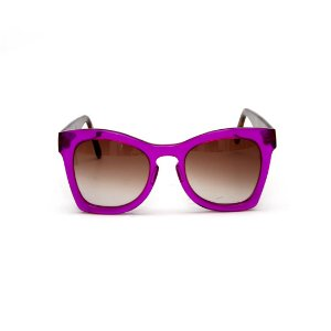 Óculos de sol Gustavo Eyewear G75 2. Cor: Violeta translúcido. Haste animal print. Lentes marrom.