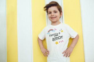 Camiseta Infantil [FAMÍLIA É AMOR]