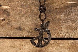 CORDÃO - Faith de couro grego regulável