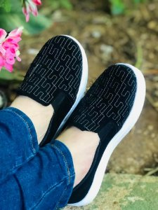 Tênis Slip On Sola Alta Preto Bordado