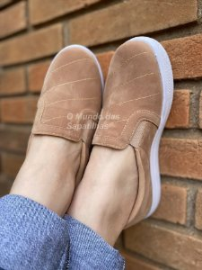 Tênis Slip On Nude Bordado