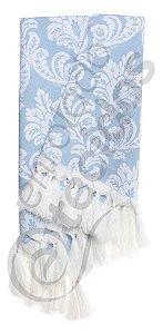 Manta para Sofá em Tecido Jacquard Fio Tinto Azul Bebê e Branco 1,80m X 1,40m