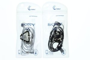 Fone de Ouvido para Celular Sony Entrada P2 cor Branca ou Preta no Saquinho