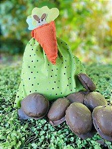 Kit Verde e Bolinhas com 3 Pães de Mel decorado com Cenoura