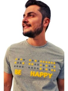 Camiseta Inclusiva Braille Be Happy