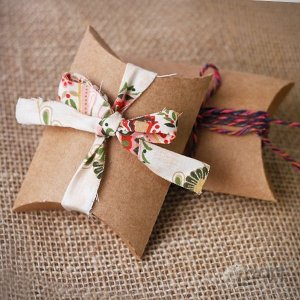 Caixa travesseiro papel kraft - 12 unid
