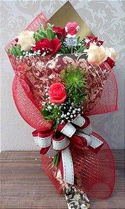 Buquê de 12 Rosas Mistas