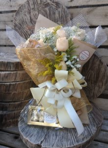 Buquê de 20 Rosas Champanhe com Ferrero Rocher
