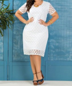 Vestido com Transparência Plus Size Branco