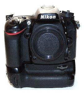 Câmera Nikon D7100 com Grip Nikon MB-D15 Usada