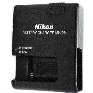 Carregador de Bateria Nikon MH-25 Original para Bateria Nikon EN-L15 Usado