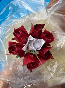 Buquê Origami com 7 Rosas
