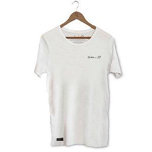 Camiseta Hops Unibutec Frontal Com Garrafas de Cerveja Costas