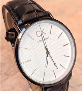 Relógio Calvin Klein Letra pequena