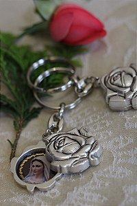 Chaveiro da Rainha da Paz e Igreja - Rosa - Medjugorje