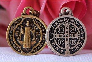 Medalha de São Bento - Média