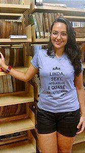 LINDA, SEX, INTELIGENTE E QUASE BIBLIOTECÁRIA