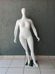 Manequim Feminino de Fibra Plus Size Braços Reto