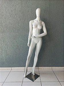 Manequim Feminino de Fibra Braço Barriga