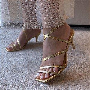 Sandalia Tira Ouro Forma Quadrada Salto Médio