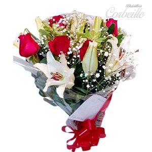Buquê de Rosas Vermelhas e Lírios (1 dúzia)