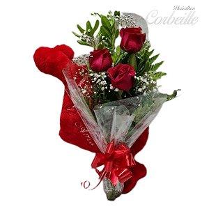 Ramalhete com 3 Rosas Vermelhas e Coração de Pelúcia
