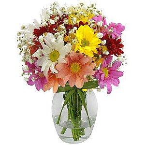 Delicado arranjo de flores silvestres