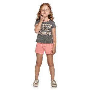 "Conjunto Infantil Blusa e Shorts em Moletinho ""ACTION IN THE MOMENT"""