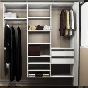 Closet Completo (48) Linear com Cabideiros, Gavetas e Prateleiras