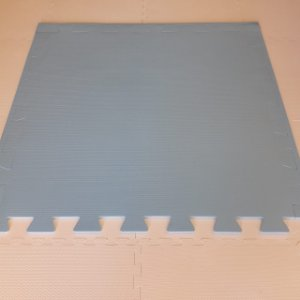 Tatame Azul Alasca 1,04m X 1,06m X 10mm + 3 Bordas de Brinde