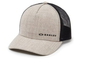 BONÉ OAKLEY ABA CURVA TRUCKER CHALTEN CAP RYE (BEGE) 911608-30W