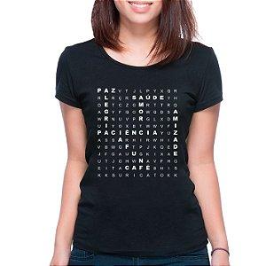 T-Shirt Caça Palavras Boas - Feminina - PT+BR