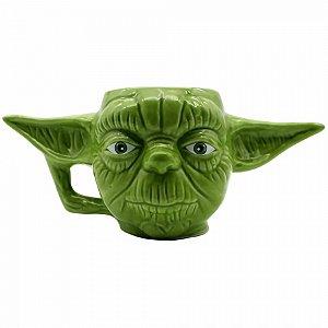 Caneca formato 3D Mestre Yoda 400ml