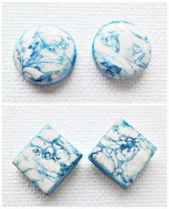 Brincos efeito mármore branco e azul
