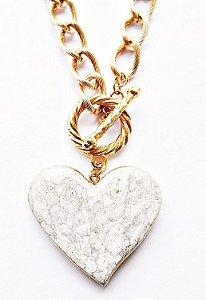 Colar requinte formato coração