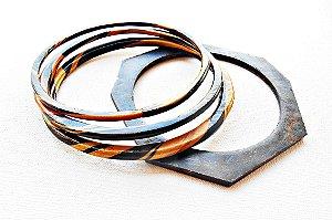 Kit pulseiras em marrom mesclado